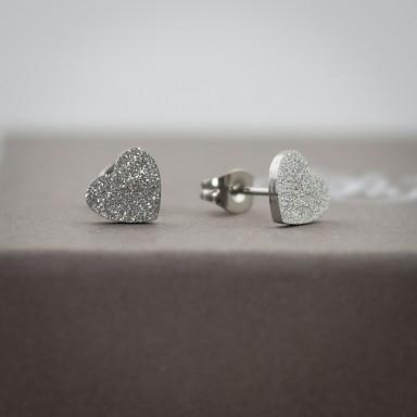 Coppia di micro orecchini cuore brillantinato