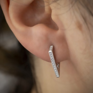 Single point snap earring 925 silver with white cubic zirconia
