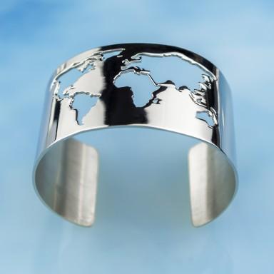 World map bracelet in stainless steel
