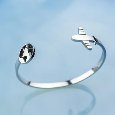 Travel bracelet in stainless steel