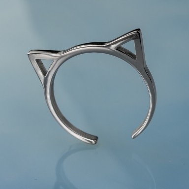 Ring with cat ears in stainless steel