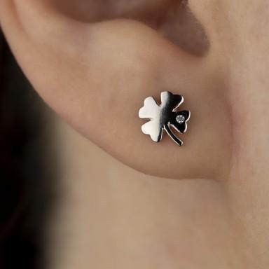Single four-leaf clover earring in 925 silver
