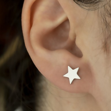 Single star earring in 925 silver