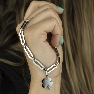 Chain bracelet with four-leaf clover pendant in stainless steel